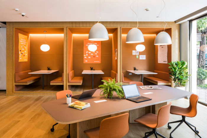 Acoustic Cocoons in open offices