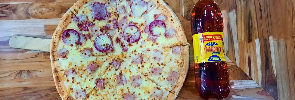 Pizza Familiar hawaiana y carnes +Gaseosa postobon pet 2Lt