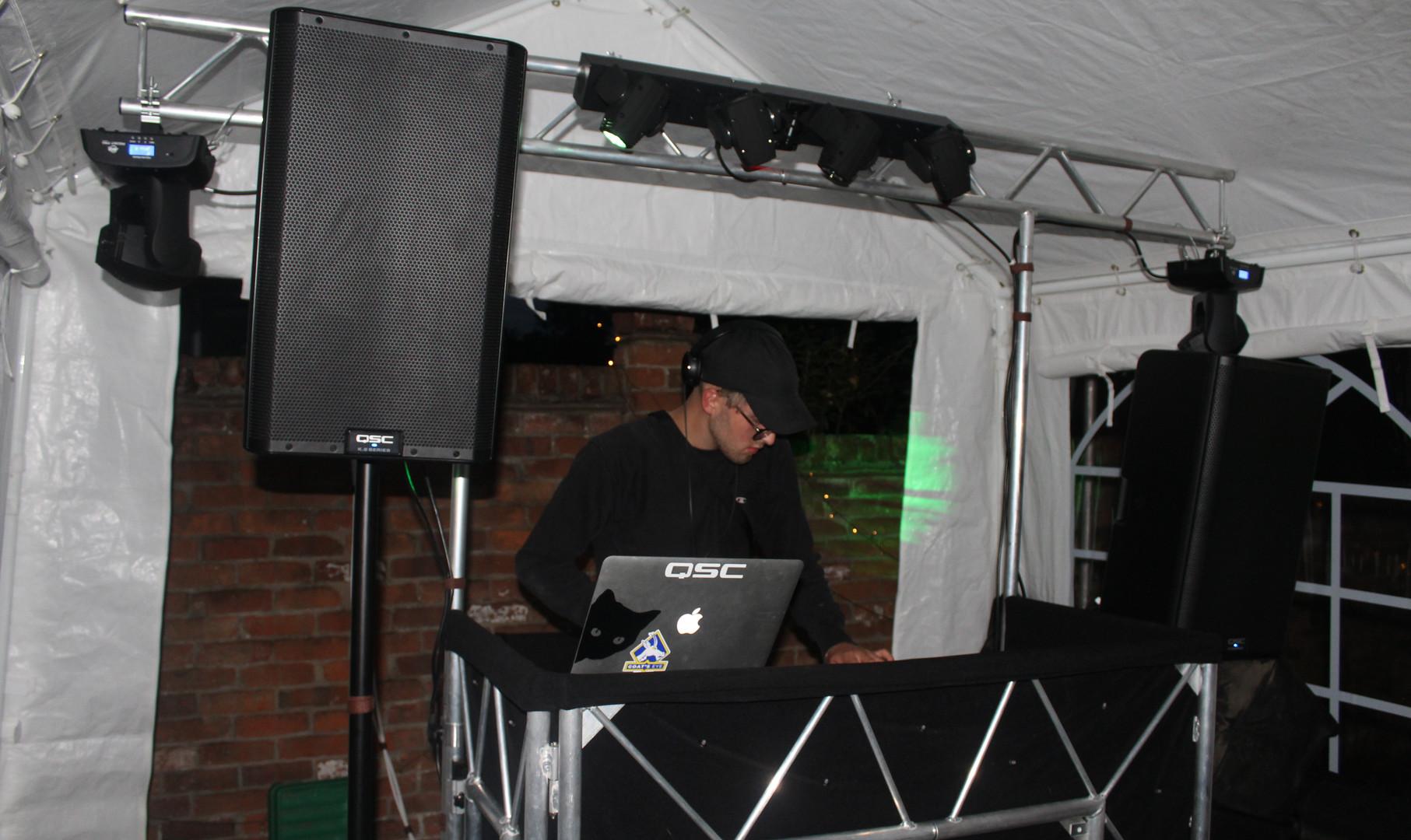 DJ Carlek @ Robbie's 18th.