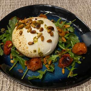 Burratta salad