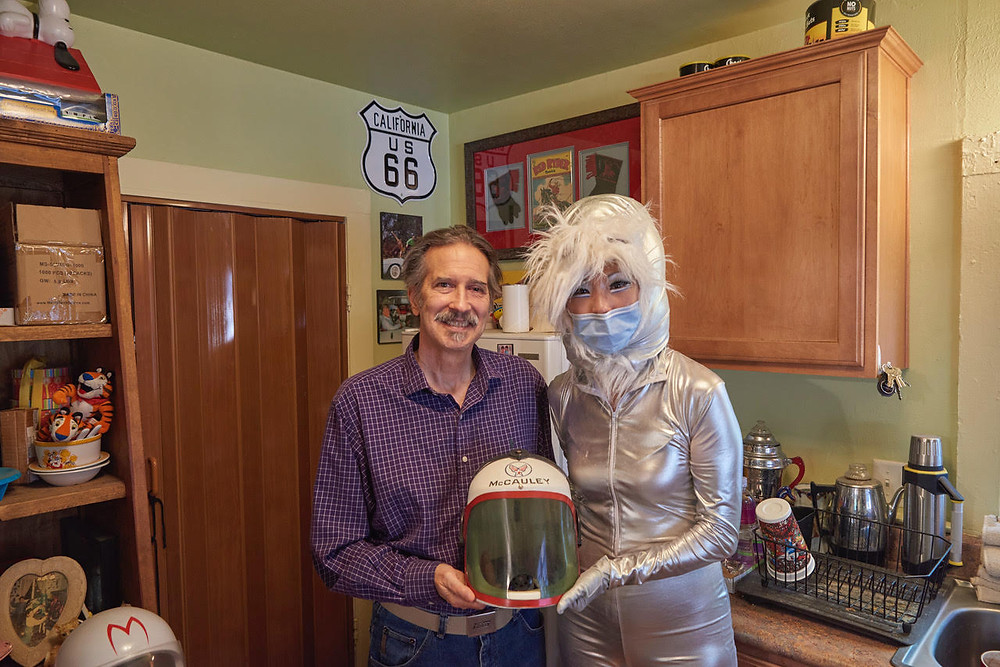 #JudyChoi #FrancisGeorge #JoeKing #ToonGuy #Comics #Books #Cartoons #Helmets #Muses #Stories #Photographer #Writer #TigrefouEdition