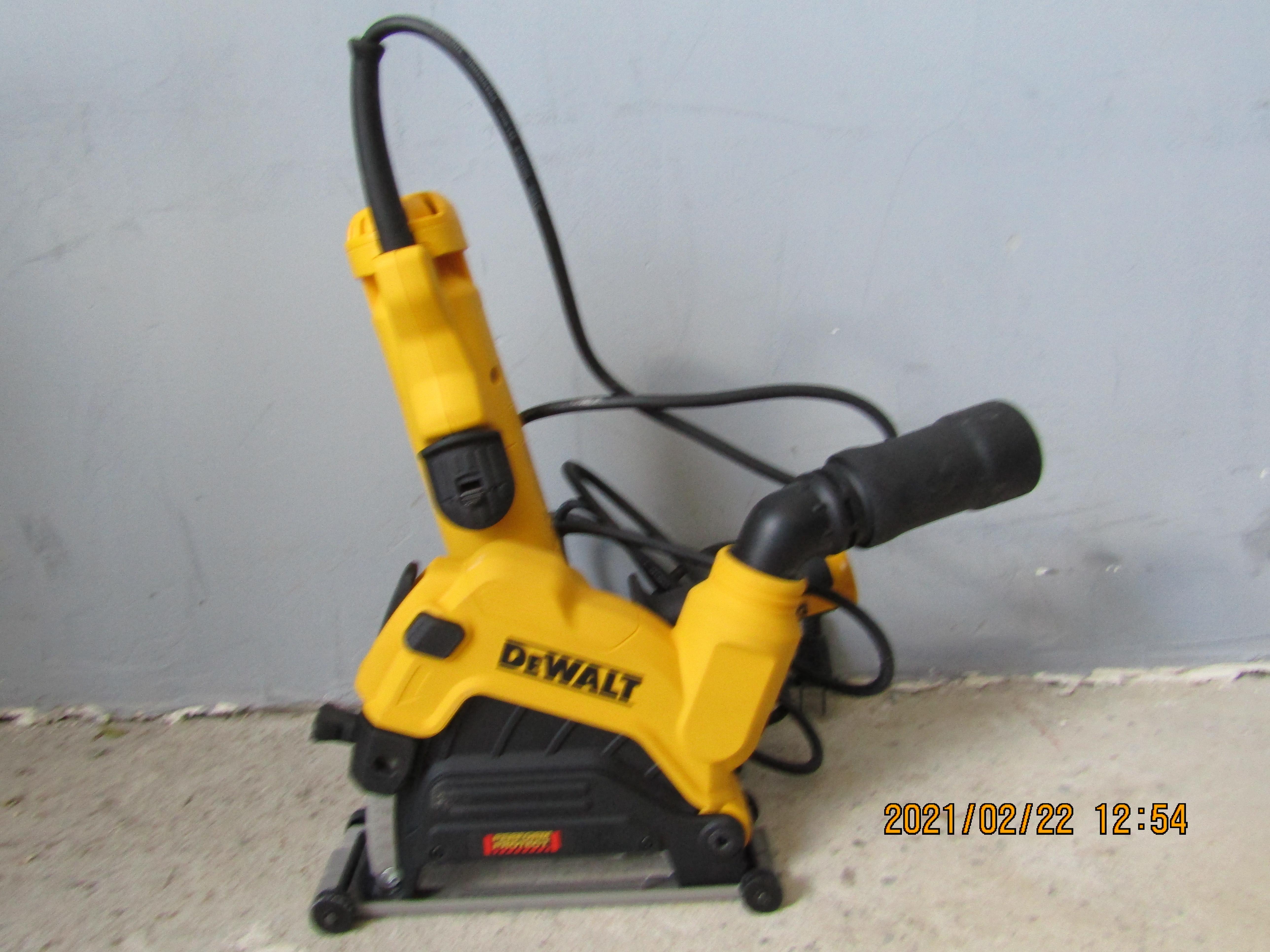 DEWALT 125 mm-s horonyvágó