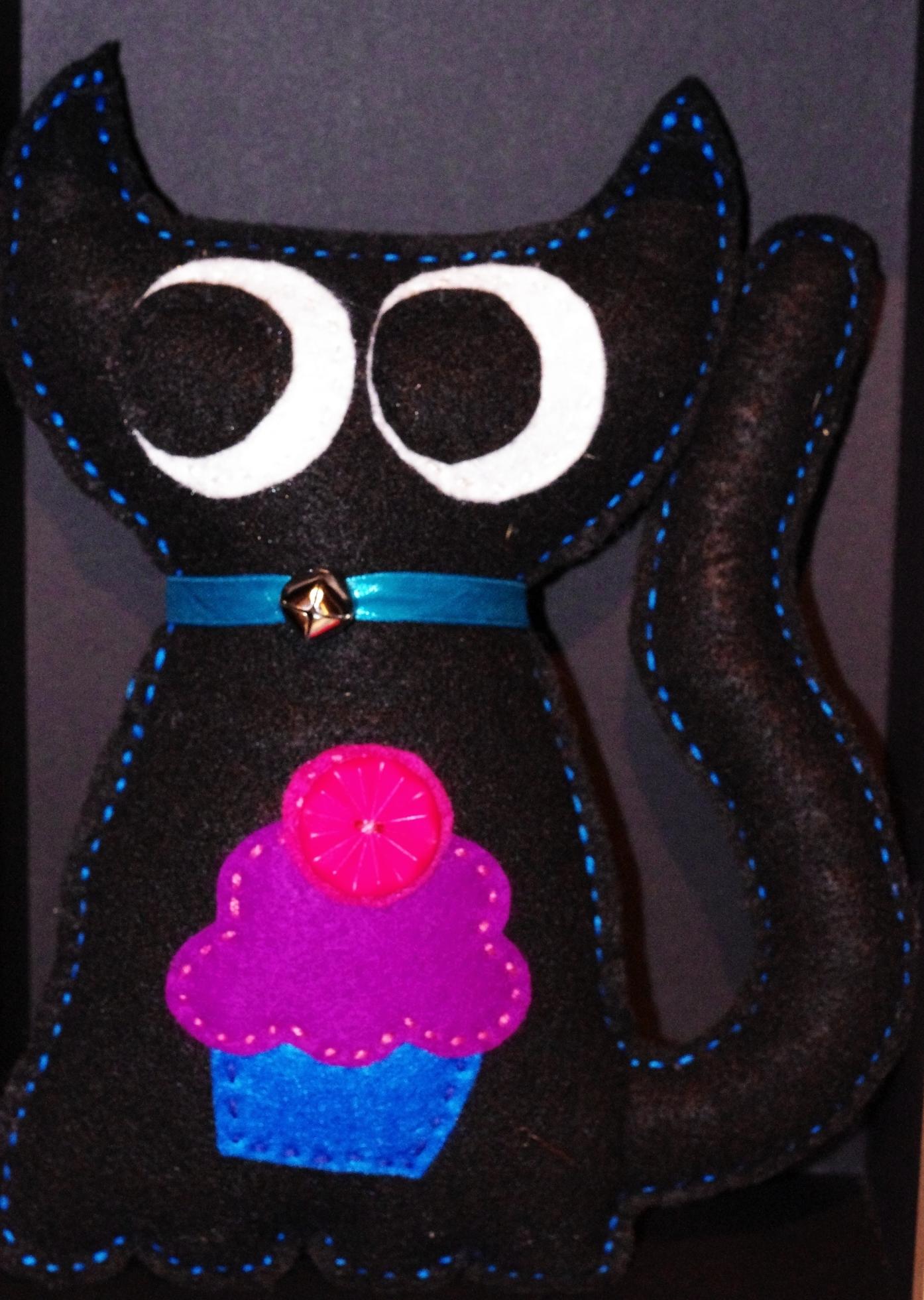 #C102 Chat noir cupcake $25