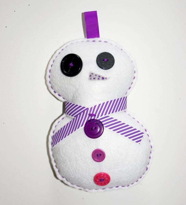 #Z106 Bonhomme de neige, Moyen - $12