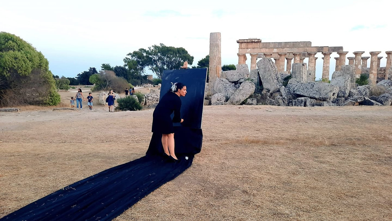 #lindarandazzo Performer for Sicilian Improviser Orchestra, curated by Lelio Giannetto. Curva Minore, Cento Sicilie, archaeological park Selinunte 2020.