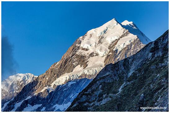 Summit ice cap of Aoraki-Mt Cook