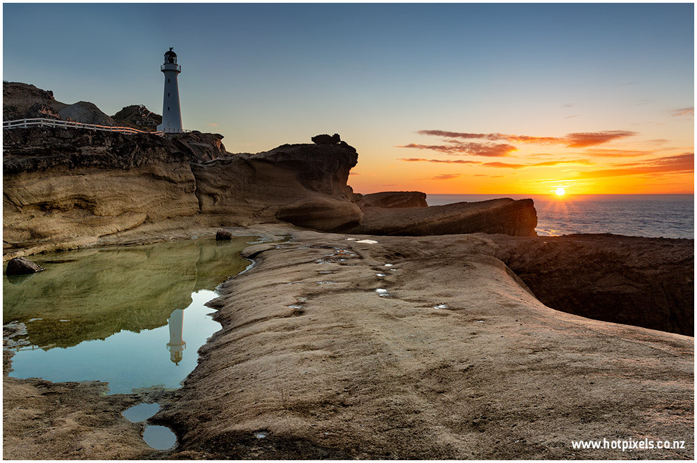 Castlepoint Lighthouse at dawn