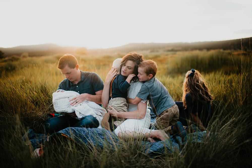 Boho family session. Lifestyle family photo session. Oregon family photo session. Oregon family photographer.