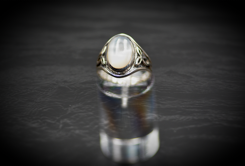 Women Sterling Silver Mother Pearl Celtic Style
