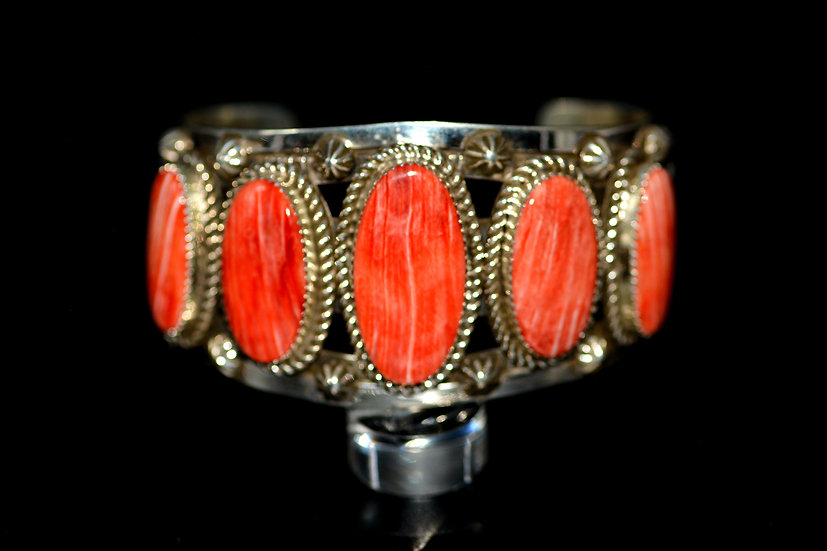 Outstanding Navajo Style Sterling Silver & Genuine Spiny Oyster Cuff Bracelet