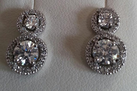 Double Figure of 8 pendant and matching earrings set