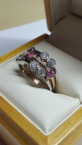 Bubble ring set with Diamonds and Pink sapphires