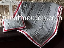 Couverture et oreiller créés par Tricot-