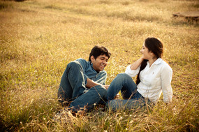 prewedding india grass field