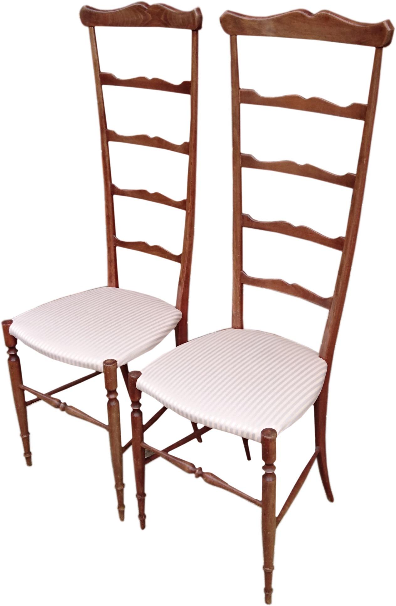 Chaivari chairs