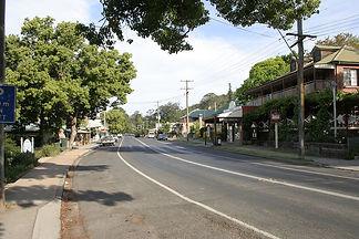 1200px-Kangaroo_Valley,_main_street (1).