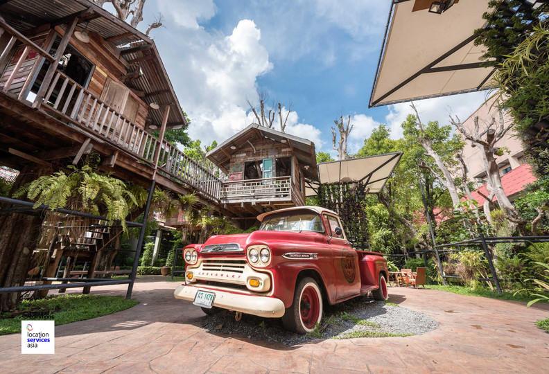 art market museum thai e.jpg
