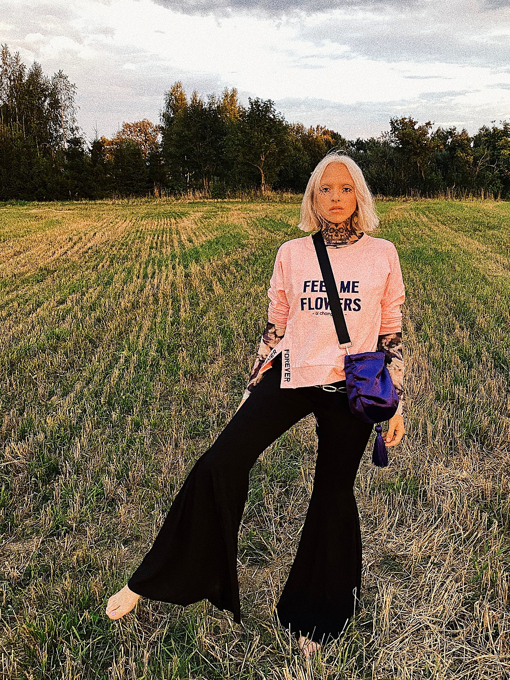 SIMONA SENKAUSKAITE - fashion stylist, professional, style diva is presenting to you her outfits and is talking about Dear Freedom
