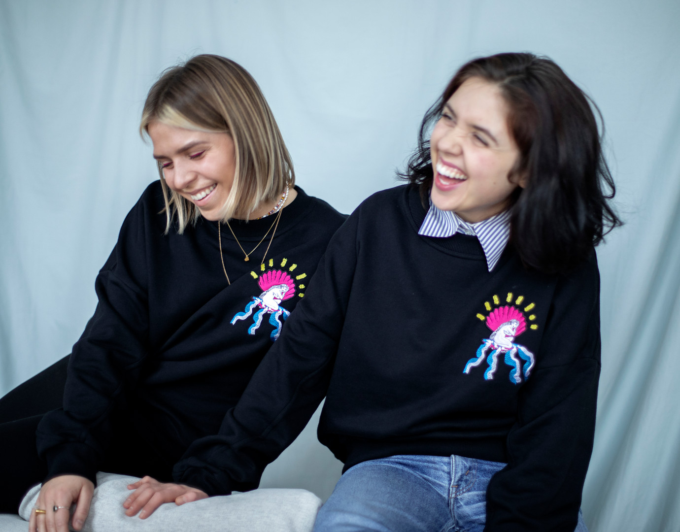Women's džemperis su Migloko iliustracija Dear Freedom ir Dvi Tylos