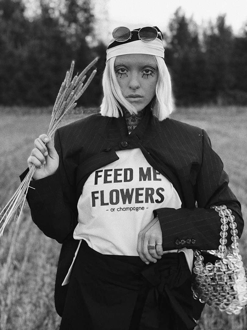 FEED ME FLOWERS or champagne by Dear Freedom