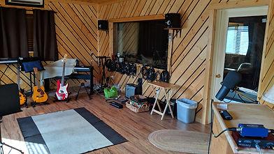 Cabin 6 - studio NW_edited.jpg