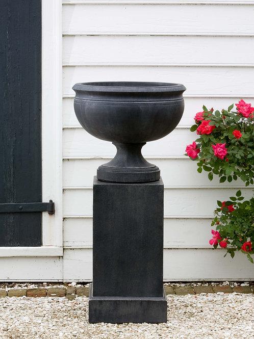 Wburg Plantation Urn w/ Classic Tall Pedestal