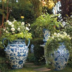 da41bd56b780b62876320fe099def40b--blue-and-white-planters