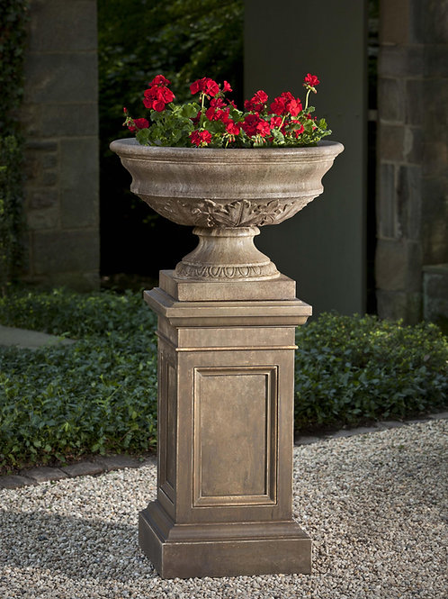 Coachhouse Pedestal