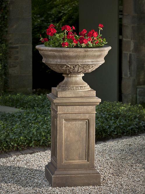Coachhouse Urn with Pedestal