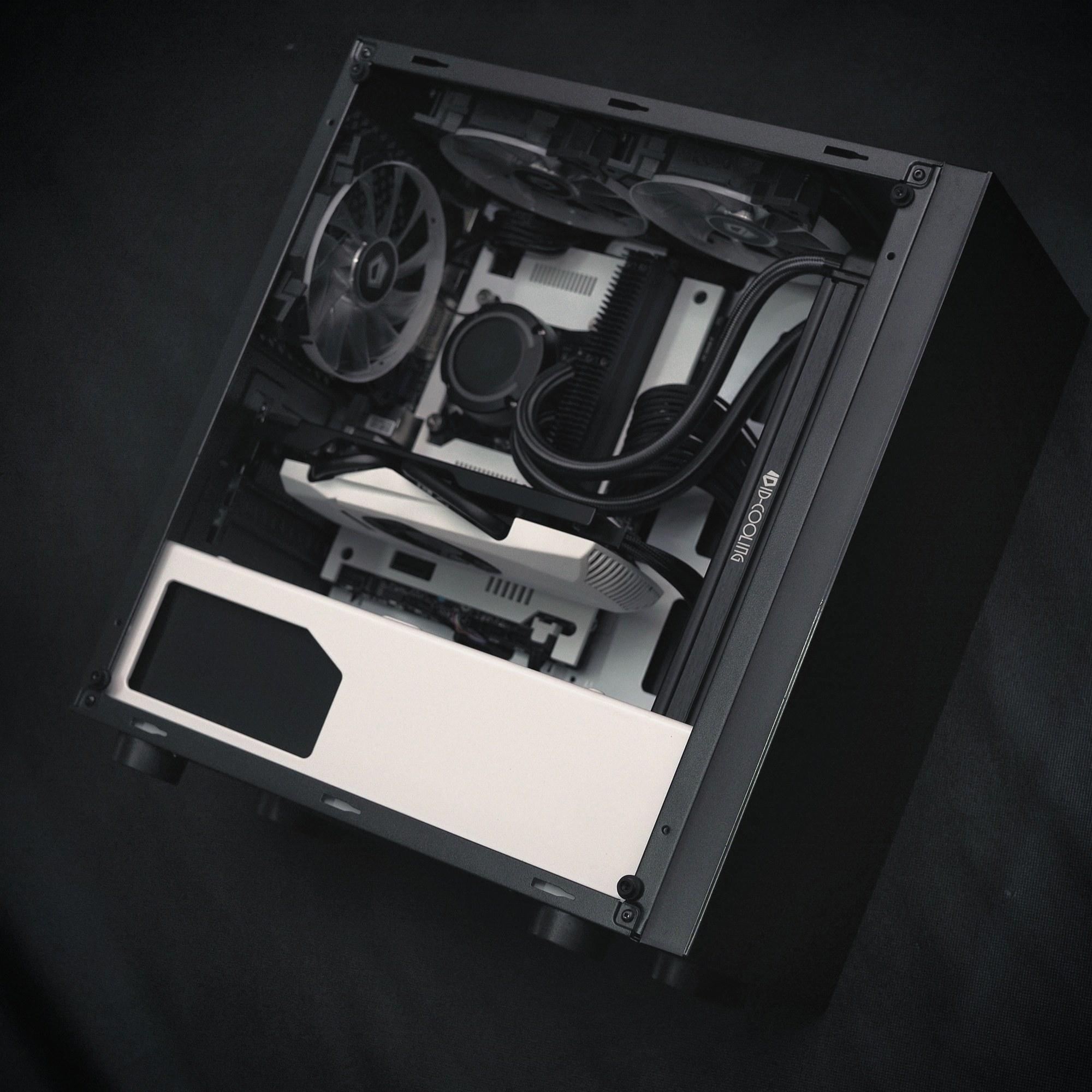 Tantric Mods Nexus M B/W