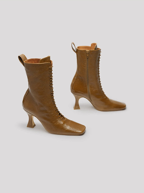 YANA COGNAC PATENT LEATHER BOOT