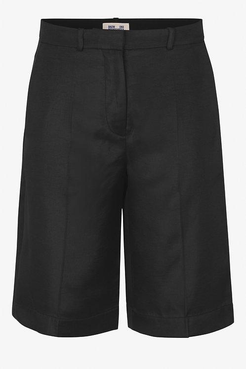 Nicha Shorts