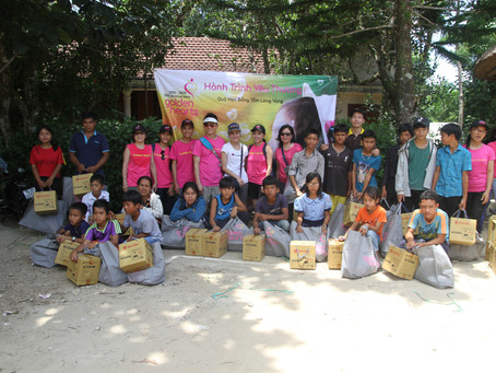 Jul 12, 2019:  Distribute gifts in Nhâm Elementary School, A Luoi District, Hue.