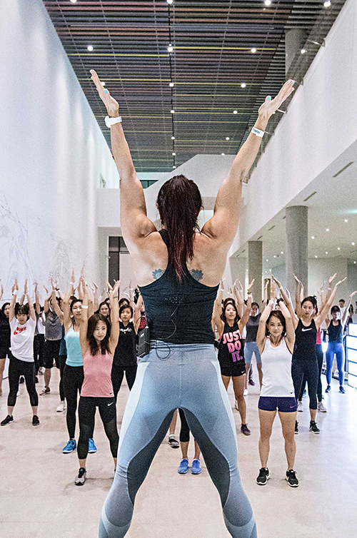 눈, 몸 그리고 마음을 섭렵하는 Gallery Yoga