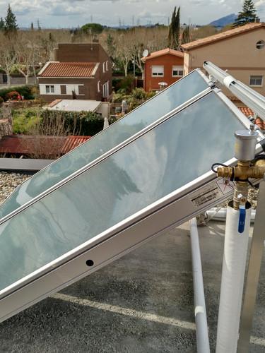 solar tèrmica habitatge unifamiliar
