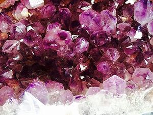 crystal-1405272_1280.jpg