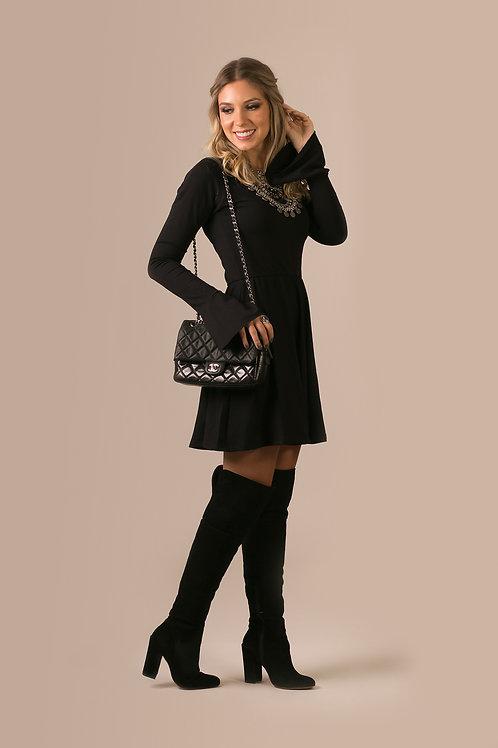 Frente do vestido manga longa sininho preto les cloches