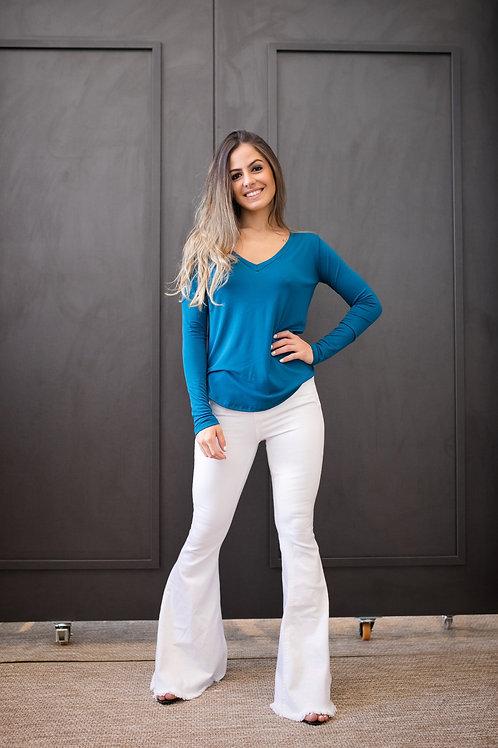 Frente da blusa manga longa soft azul les cloches
