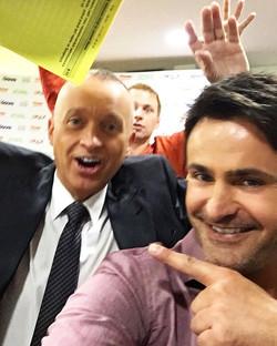 Princ a oříšek 😁 selfie bomba v pozadí 😂😂#prague #news #prima #nut #prince #selfie