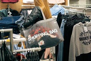 shopping-2163323__340.jpg