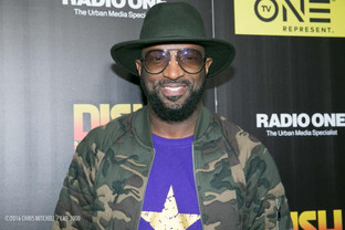 RICKEY SMILEY GIVES BACK IN AMAJOR WAY THIS HOLIDAY SEASON
