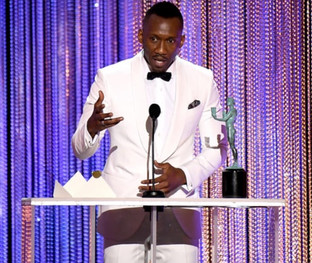 """MOONLIGHT"" TAKES HOME BEST MALE SUPPORTING ACTOR TROPHY AT SAG AWARDS"