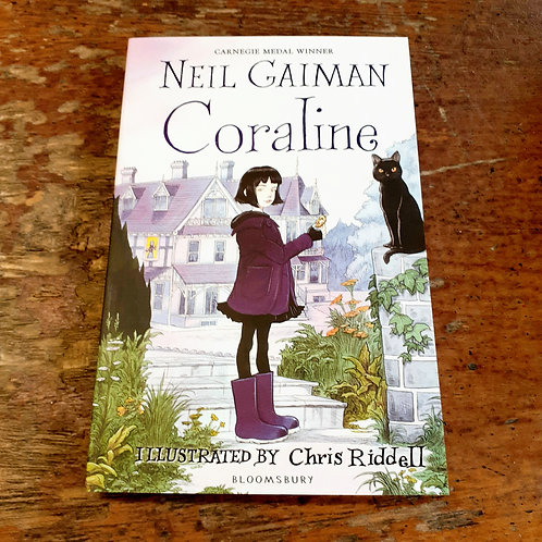 Coraline| Neil Gaiman & Chris Riddell