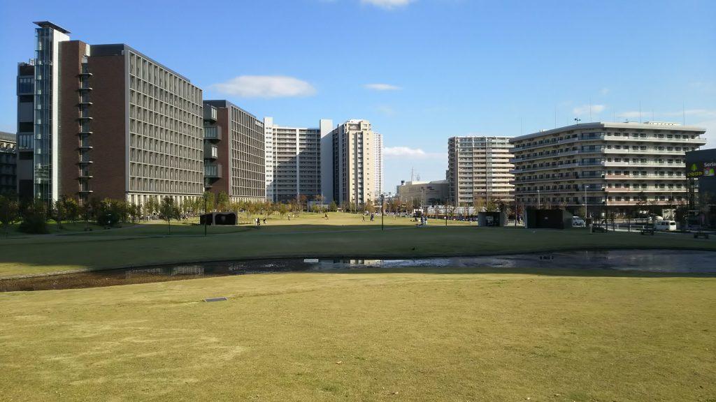 ランニング 東京理科大前芝生公園