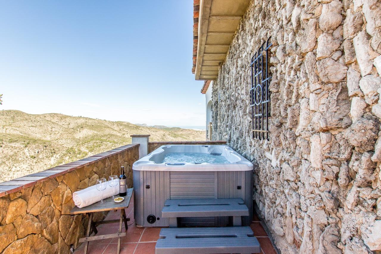 Mountain View Hot Tub