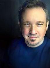Larry Headshot Aug 2021.jpg
