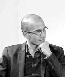 Yuval_Noah_Harari_cropped_edited.jpg