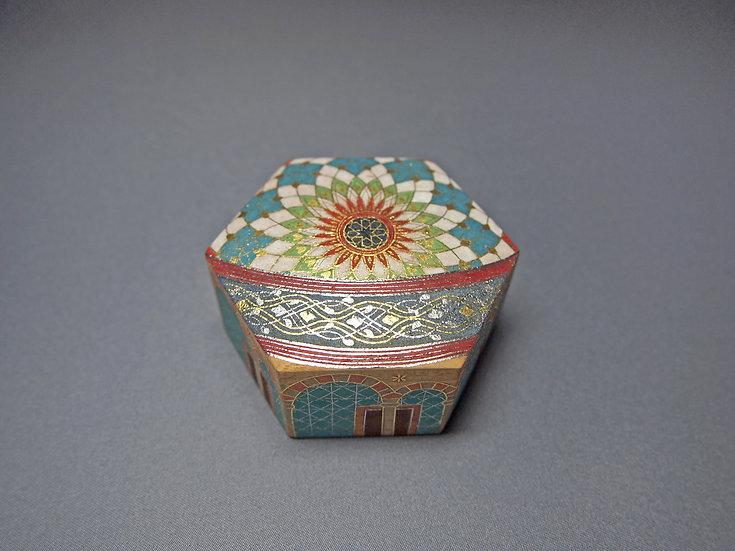 截金彩色六角香盒「祈りの空間」