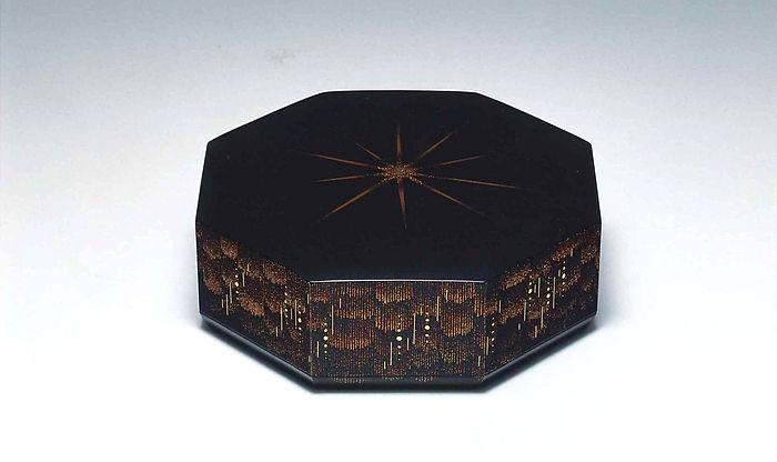 蒔絵八角箱「それぞれの樹海」