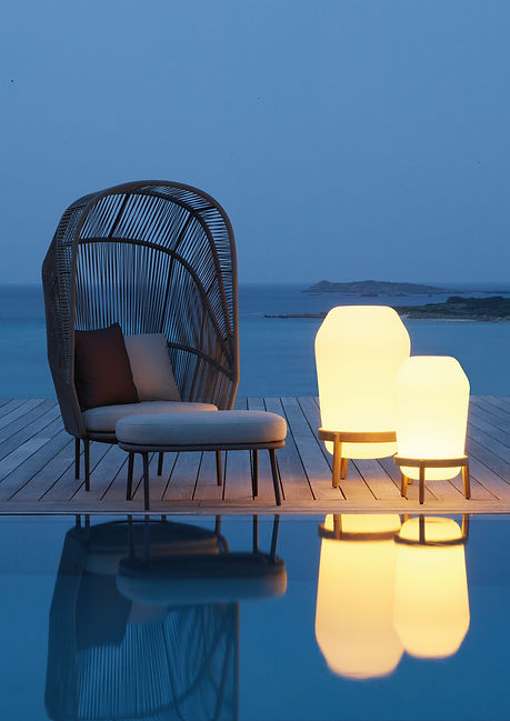 Luxury Outdoor furniture for hotels in monaco and france